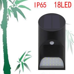 2019 tubes de mouvements Tube Bambo Lampe solaire IP65 Forme de tube étanche Lampe solaire 18LED Capteur de mouvement PIR Lampe 2 Modes Lampe de mur extérieure Lampe de sécurité tubes de mouvements pas cher