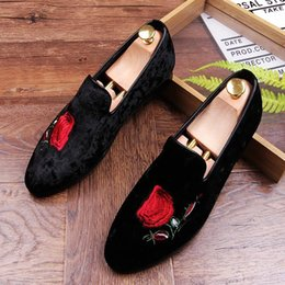 Wholesale Mens Loafers Style - 2017 Promotion New spring Men Velvet Loafers Party wedding Shoes Europe Style Embroidered Velvet Slippers Driving moccasins for mens AXX93