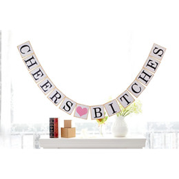 2017 bannière de bourrage de tissu Vente en gros- Cheers Bitches Bunting Banner Garland Wedding Party Supplies Vintage Banner Décoration intérieure Hessian Fabric Bunting Burlap bannière de bourrage de tissu pas cher