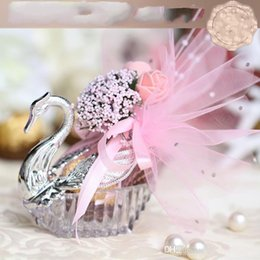 Wholesale new year party package - 2017 New Novelty Wedding Favor Boxes Acrylic silver Swan Wedding Gift Candy Favor Sweetbox Candy Package Wedding Favors holders High Quality