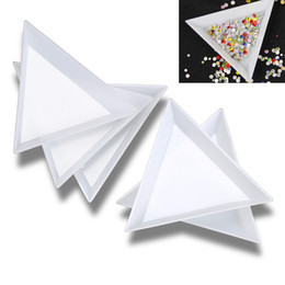 Wholesale Beads Tool - Hot Sale !!! 30 Pcs White Plastic Triangle Round Sorting Trays Nail Art Rhinestones Beads Crystal Tools