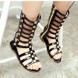 Сверкающие звезды онлайн-Девушки римские сандалии Гладиатор высокий ствол сверкающих Верхней с звезды плоской подошвой панк середины икры обувь LG-F280