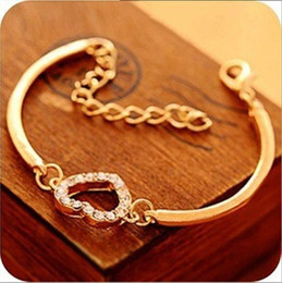Wholesale diamante gold heart - New Charm Bracelets Women Fashion Style Gold Rhinestone Love Heart Bangle Cuff Bracelet Jewelry heart-shaped Love diamante Crystal bracelet