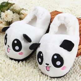 Zapatillas de deporte divertidas online-Panda Zapatillas de peluche Pantoufle Femme Mujer Zapatos Mujer Casa Cálido suave Big Animal panda Mujeres Divertido Adultos Zapatillas