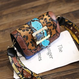 Wholesale Leopard Retail Bag - Oblique cross bag new wholesale and retail shoulder bag snake pattern packet new oblique cross leopard uniform shoulder bag free shipping