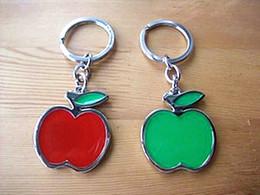 Зеленые брелки онлайн-Изготовленные на заказ Keychains яблока зеленого цвета и красного цвета эмали плакировкой Крома мягкие Keychains Яблока на Сбывании