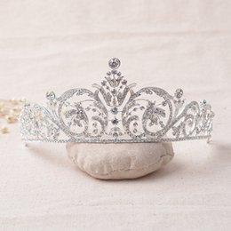 Wholesale Tiaras For Sale - Dazzling Beaded Wedding Headpieces 2017 Shining Silver Plated Bridal Crowns Cheap Tiaras For Pageant Hairbands Hot Sale