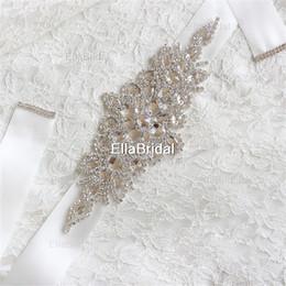 Barato En stock Cinturones nupciales Cinturones Tamaño libre Crystal Shinny Mujeres elegantes Cinturones Cinta blanca marfil Envío gratis Listo para enviar desde fabricantes