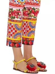 Каблуки онлайн-Европейские вокзалы с ручной росписью сандалии со стразами в стиле ретро с туфлями на низком каблуке Ветер кожаные женские сандалии Обувь для подиума женские