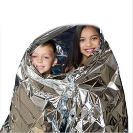 Горячая распродажа из водонепроницаемого аварийного одеяла для оказания первой медицинской помощи Многофункциональный кемпинг Водонепроницаемая аварийная изоляция из аварийной пленки от