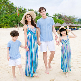 Wholesale Matching Mom Son Outfits - 2017 beach dresses mother me bohemian mom and daughter son father family look clothing sleeveless family matching outfits