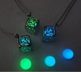 Wholesale Jade Charm Pendants - 2017 Tree Of Life Dark Luminous Necklaces Silver Color Chain Necklace Glowing in Dark Pendant Necklaces
