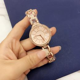 bracelet en diamant couleur Promotion Casual Femmes De Luxe Quartz Montres Trois Chaîne Bracelet Glands style Or Montre Bracelet Strass Diamant Incrustation Horloge Cadran 4 Couleur