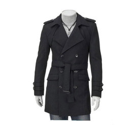 Trenchcoat revers online-Mode neue Männer Casual Schultergurt Double-Treasted Trench Long Coat Revers Slim Fit Trenchcoats einzigartige Herrenbekleidung
