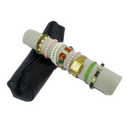 kunstlederbeutel Rabatt Brand New Kunstleder Reißverschlusstasche mit Kissen Bar Uhr Tragetasche Armband Halter Veranstalter Reisen Schmuck Armreif Roll Bag 36 * 8 cm