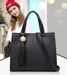 Wholesale Europe Laptops - The new spring and summer 2017 ms in Europe and the contracted fashion laptop tassel han edition PU leather wet his shoulder bag