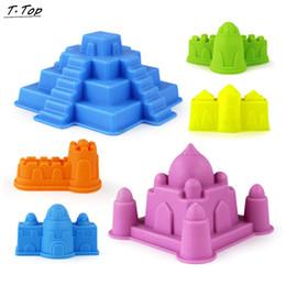 Giocattoli della spiaggia del castello di sabbia online-All'ingrosso-New Plastic 6 tipi di piccoli attrezzi da giardinaggio colorati all'aperto modello Castle Beach Sand Set per i bambini del bambino