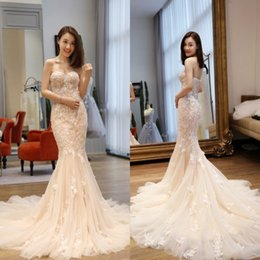 Wholesale Gold Lace Veils - 2017 New Gorgeous Lace Mermaid Wedding Dresses Arabic Sweetheart Appliques Plus Size Wedding Dresses Backless Zipper Bridal Gowns With Veil