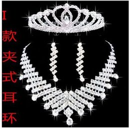 Wholesale wedding bridal tiaras butterfly - Bridal Party Jewelry Sets Tiaras and Earrings Necklace with Butterfly Pattern Silver Color Designer Wedding jewelry