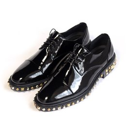 Wholesale Oxford Mens Wear - Big Yards Brand unique vintage Brogue mens oxfords shoes genuine leather rivets carved windtip party wear shoes for male flats brothergue