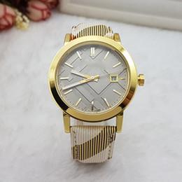 Horloge c en Ligne-2018 Nouvelle robe de mode diamant montre-bracelet coloré marque C horloge en cuir véritable montres à quartz femmes horloge diamant plein cadran carré face