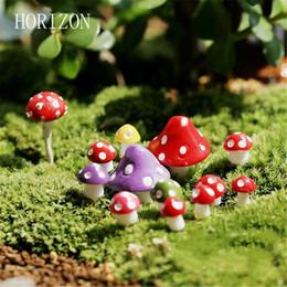 Wholesale- 8 pz / Set kawaii Decorazioni Funghi 1.3 cm fairy garden miniature decorativi Micro Paesaggio materiali Bonsai Pianta Giardinaggio da