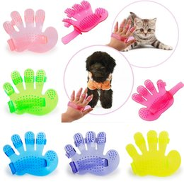 Cepillo suave para mascotas online-Five Fingers Brush Pet Supplies Soft Puppy Brushes Con forma de palma Colorido Durable Champú para perros Champú para perros Cepillo para perros