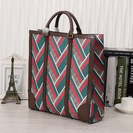 Wholesale Mens Bags Satchels - High End Mens Totes Genuine Leather Vintage Stripes Medium Satchels Bags for Men Business Fashion Mens Totes for Daily 406387