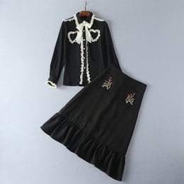 Wholesale American Button Down Shirt - European and American women's wear 2017 The new winter Bow-tie button-down shirt Embroidered beaded skirt suit