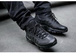 Botas de invierno de descuento para hombres online-Descuento barato 95 25th Anniversary MID Shoe, 2018 nuevo 95 Sneakerboot, Army Boots Otoño invierno tobillo para hombres, Zapatillas de deporte de entrenamiento con cierre hermético