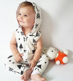 Wholesale Hooded Jumpsuit Wholesale - INS Baby Romper fashion toddler kids arrow printed hooded romper boys girls sleeveless aipper jumpsuit summer babies clothing T3227