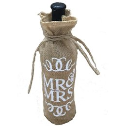 Wholesale Wholesale Recycled Gifts - Wholesale- Mr.& Mrs Jute Burlap Wine Bottle Cover Gift Bag Wedding Christmas Party Decoration AA8008