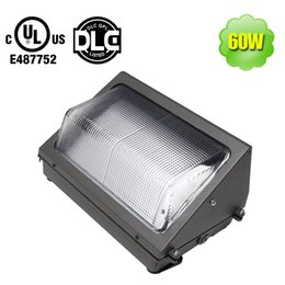 Wall mounted led flood lights online wall mounted led flood lights wall mounted led flood lights en venta ul dlc 60 watt led wall pack accesorio aloadofball