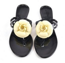 Wholesale New Fashion Casual Ladies Shoes - New Fashion Womens Camellia Flower Jelly Flat Sandals Ladies Sexy T Strap Summer Beach Slippers Shoes Black Beige Flip Flops