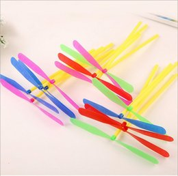 Wholesale Bamboo Dragonfly - 200pcs lot Novelty Plastic Bamboo Dragonfly Propeller Outdoor Toy Kids Gift Flying Classic Children Traditional Toys