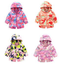 Wholesale Small Suit Coat Children - Children 's new small children' s winter suit hooded jacket jacket in the long section of military camouflage clothing jacket