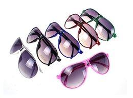 Wholesale Fashion Designer Toys - Kids Sunglasses Baby Boys Girls Fashion Brand Designer Sunglasses Kids Children Sun Glasses Beach Toys UV400 Sunglasses Sun Glasses