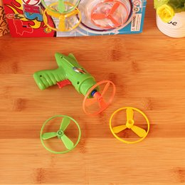 Wholesale Manufacturer Foam - Children's educational toys classic plastic flying saucer gun set model toy 2 yuan stall goods manufacturers selling