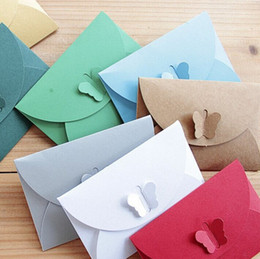 Wholesale Pearl Envelopes - Free Shipping 100pcs lot 10.5*7cm Vintage Pearl & Kraft Paper Butterfly Buckle Envelope for Gift  Greeting  Member Cards