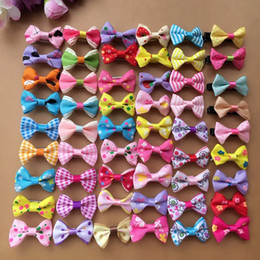 Wholesale Dog Hair Bows Clips - 200PCS lot Wholesale handmade colorful mix small bows Dog Puppy cat Pet Bow Hairpins Hair Clips Grooming barrette Apparel accessories PD012