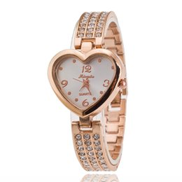 Wholesale Girls Watch Sets - Set auger luxurious and elegant ladies ladies watch supply of goods Quartz bracelet watch girls Fashion in Europe and the united hearts watc