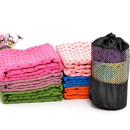 Asciugamano della stuoia di yoga della tovaglietta di yoga di Microfiber nessun asciugamano della stuoia di slittamento con la borsa della maglia di trasporto Asciugamano di palestra in microfibra altamente assorbente 72x24 cheap yoga mat carry bag da stuoia di yoga trasportare sacchetto fornitori