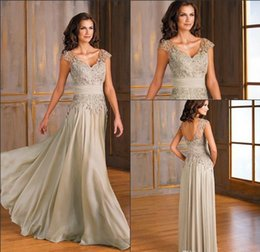Wholesale Simple Chiffon Floor Length Dress - New V-neck Silver Chiffon Mother Of The Bride Dresses Sheer Cap Sleeves Lace Applique Floor Length Plus Size Custom Made Evening Dresses
