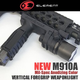 Wholesale picatinny flashlight mount - Tactical CREE LED M910A Style Flashlight Picatinny   Weaver Mount Foregrip