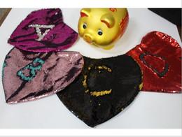 Caja con forma de coche online-Funda de almohada de lentejuelas de sirena de nuevo diseño Funda de almohada mágica Fundas de almohada en forma de corazón de sirena Cojín de coche con brillo brillante Decoración de sofá