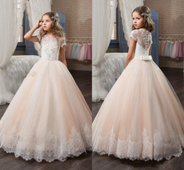 Wholesale girl sequin short pageant dresses - 2018 Princess Short Sleeve Girls Pageant Dresses Lace Appliqued Delicate Beaded Sequins Ball Gown Floor Length Flower Girls Birthday Gowns