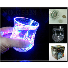 Wholesale water night lights - Glow Wine Glass Water Lights Luminous Colorful LED Pineapple Creative Gift Liquid Sensor Flashing Bar Night Club Party Cup 4 8jc F