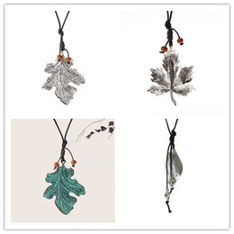 Wholesale Old Women Alloys - Plated Vintage Old Zinc Alloy Maple Leaves Pendant Charm Necklace for Women Fashion Accessories Jewelry Accessory Wholesale