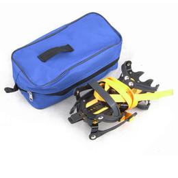 kits de espiga Desconto 2 pçs / par Crampon Neve Neve Sapata de Travamento Chuteiras Não-Slip Gripper Spikes Equipamento de Escalada Kits de Viagem Crampons Sapato de Gelo Spike