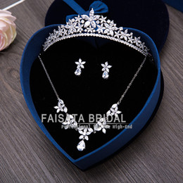 Wholesale Gold Pearls Bride Accessories Sets - Hot Sale Sliver Plated Rhinestone Crystal Necklace+Earrings+Crown 3pcs Jewelry Set For Bride High Quality Bridal Wedding Accessories